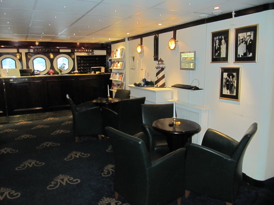 Malardrottningen Yacht Hotel and Restaurant: Lobby