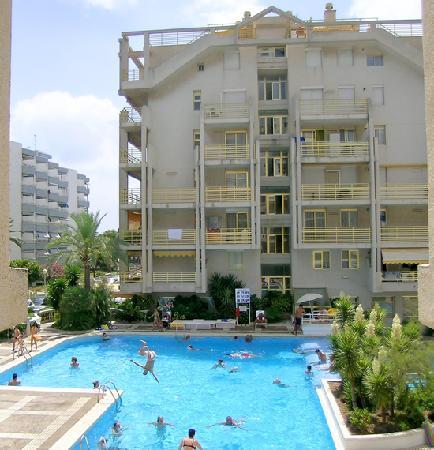 Apartamentos Novelty: Novelty - Piscina