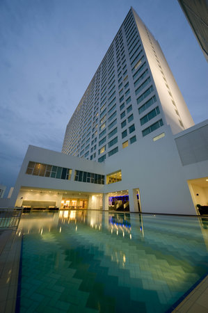 Pullman Kuching: The Pool