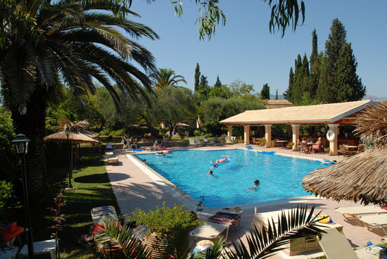 Spiti Prifti Apartments: Spiti Prifti Pool Area