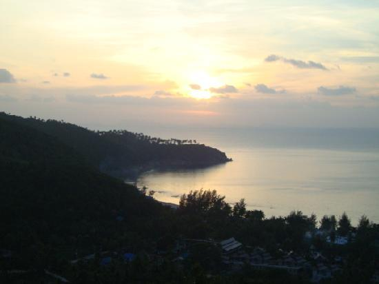 Phangan Utopia Resort: Enjoy the sunset at Utopia!