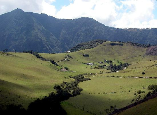 Calacali, Эквадор: Ecuadorean Andes farm scenery