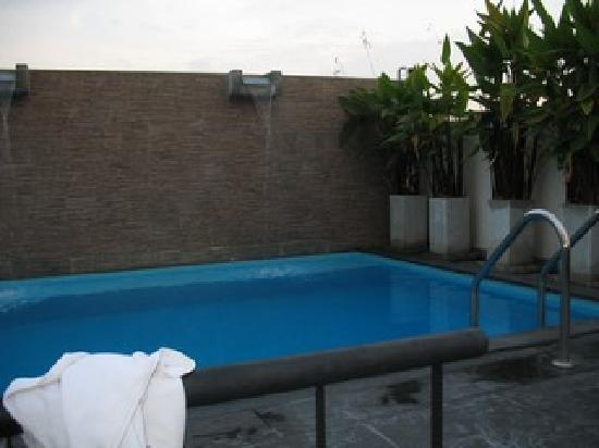 Sleep Withinn: piscina