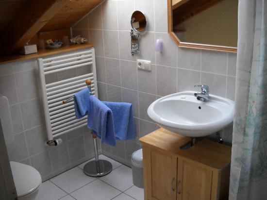 Qaint Bathroom