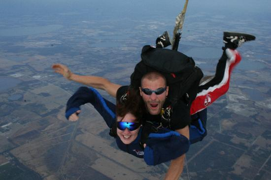 Florida Skydiving Center : free fall 15000 feet!