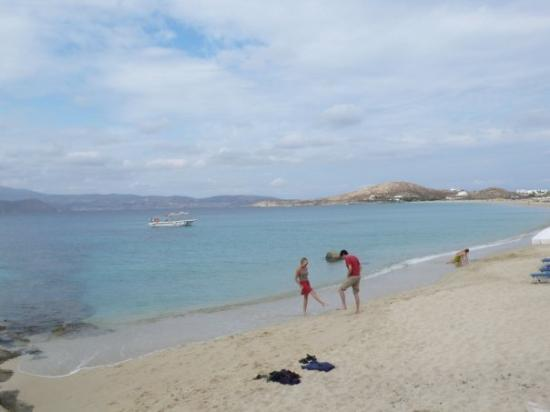 Nakşa Adası, Yunanistan: Naxos beach was soooooooo perfect! u can find the most beautiful sands here!