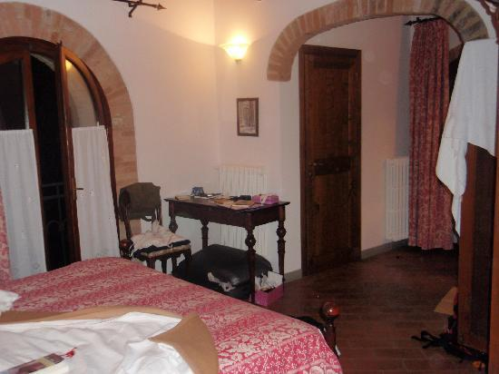 Villa Le Torri: one of the bedrooms