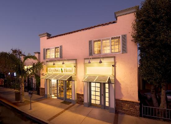 Capitola Hotel: Steps to the beach in the heart of Capitola Village