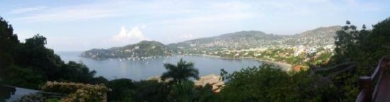 Casa Cuitlateca: View of the bay
