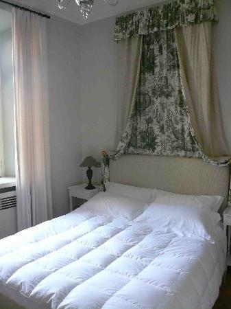 Hotel San Pancrazio: Super-comfortable bed