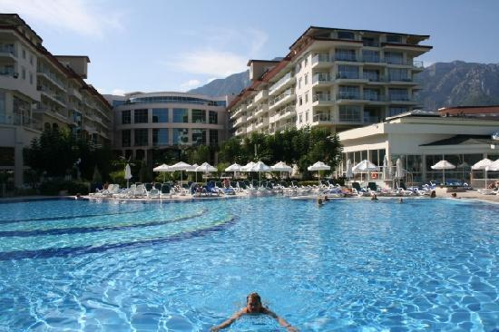 Barut Kemer: Big and refreshing pool - just one of the six pools
