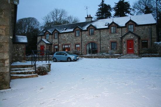 Mill Farm Cottages: Snowy Mill Farm Cottage