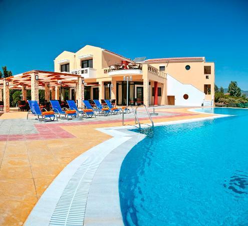 Aeolian Gaea Hotel: pool area
