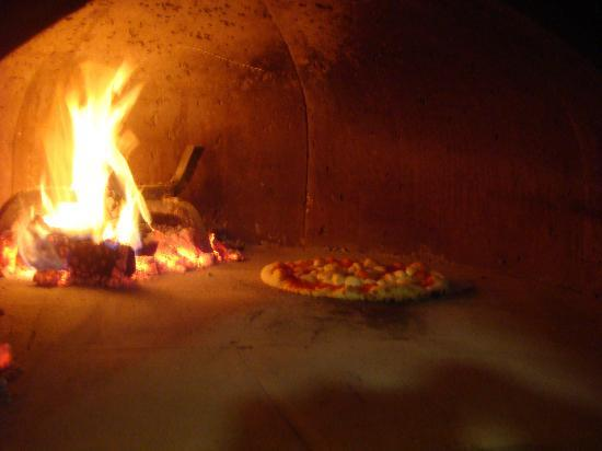 Ilforno Pizzeria: Wood Oven
