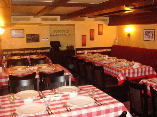 Ilforno Pizzeria: Il Forno Interior