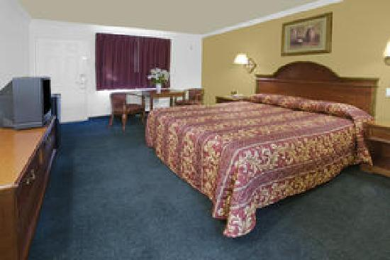 Americas Best Value Inn - Rialto: King Stanard