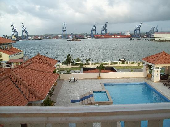 Radisson Colon 2000 Hotel & Casino: View from our room of pool and harbor.