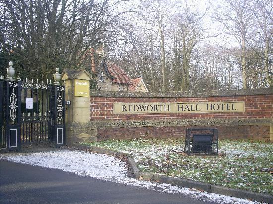 Redworth Hall Hotel: Entrance to hotel