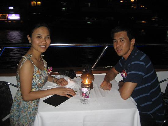 Bossotel Bangkok: dinner cruise at chao phraya river
