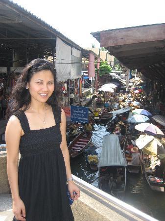 Bossotel Bangkok: floating market