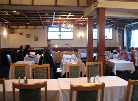 Northern Sands Hotel : Dining room at the Northern Sands (2008)