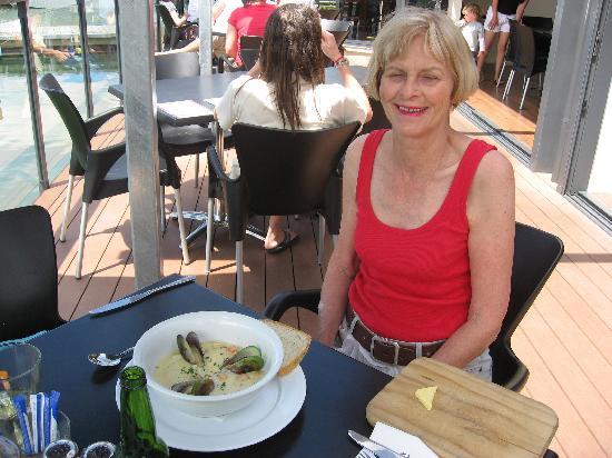 Slip Inn Cafe : Mussel chowder at Slip Inn