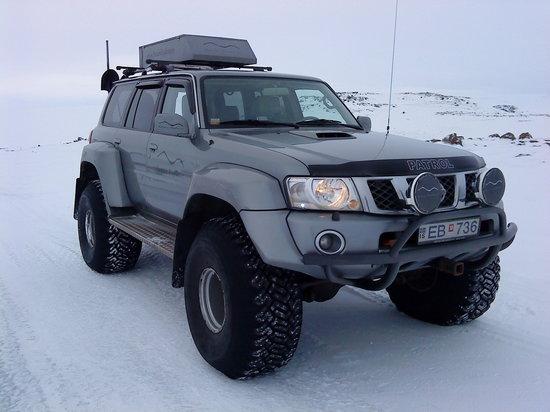 Nature Explorer Tours : The super jeep