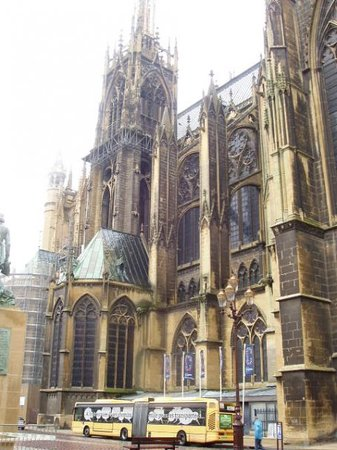 ‪Metz Cathedral‬