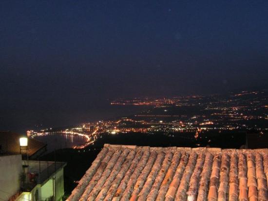 Blick Von Castelmola Auf Taormina Und Die Bucht Von Naxos