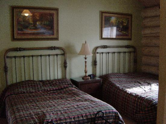 Garland Lodge & Resort: Second bedroom in Red Pine Villa