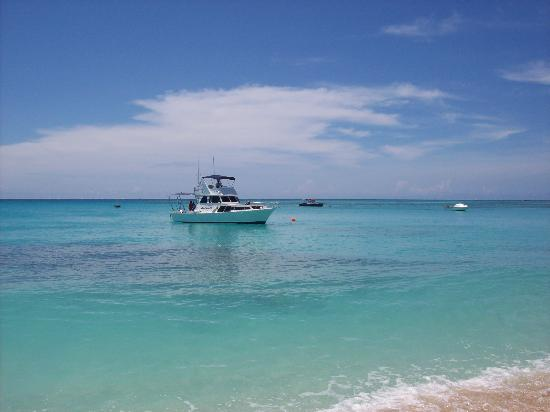 Blue Lagoon Beach Resort: MV Cakacaka fishing tours