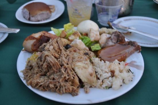 Waikiki Starlight Luau: Luau Buffet Food