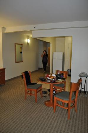 2 Bedroom Suite Living Room Picture Of Pearl Hotel