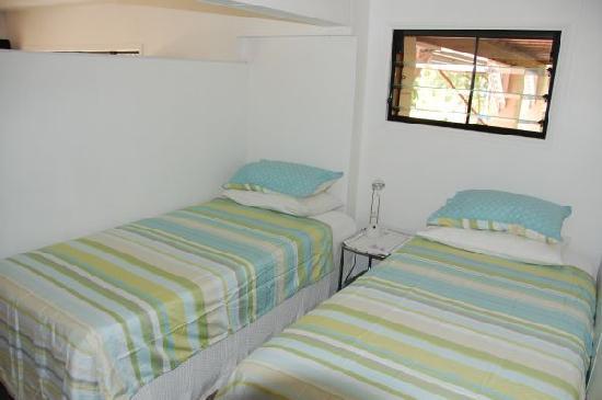 Brinsmead Studios: Studio 1: Bedroom (2 single beds)