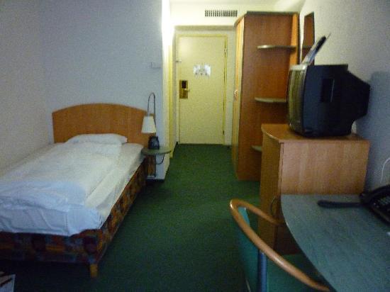 Apart-Hotel operated by Hilton : Einzelzimmer (1)