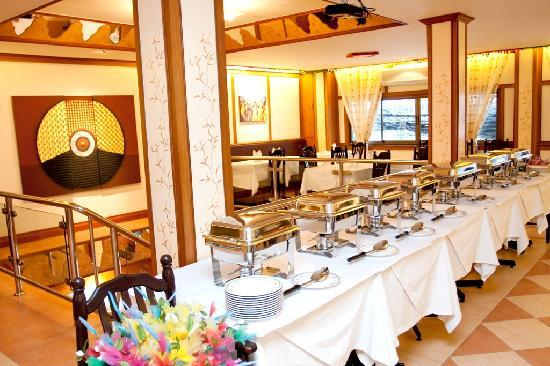 ร้านอาหาร โดซ่า คิงส์: DOSA KING BUFFET/PARTY SETTINGS