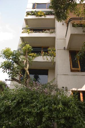 Residencia del Sol: Front of building.