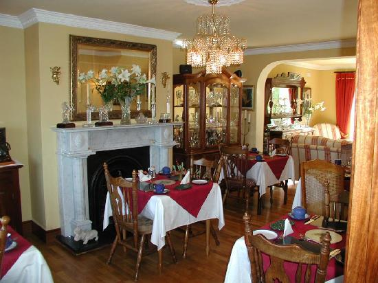 Chelmsford House: Breakfast room