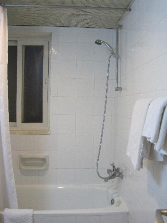 Gloria Hotel: la doccia