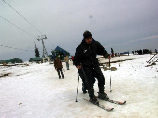 Kaschmir, Indien: Ice Skiing at Gulmarg
