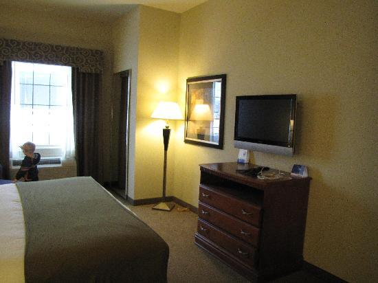 Holiday Inn Express Hotel & Suites Ada: Wonderful, roomy & comfortable!