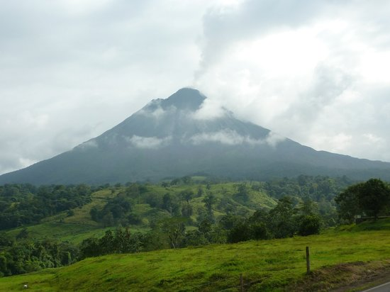 View the amazing Arenal Volcano with Sunset Tours