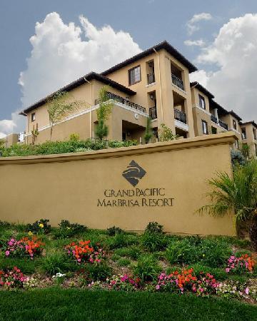 Hilton Grand Vacations Club at MarBrisa: MarBrisa Entrance