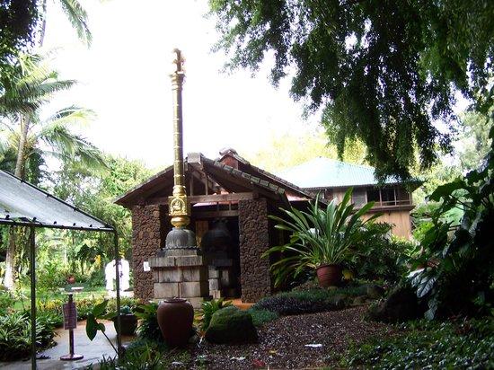 Kapaa, HI: First Monastery