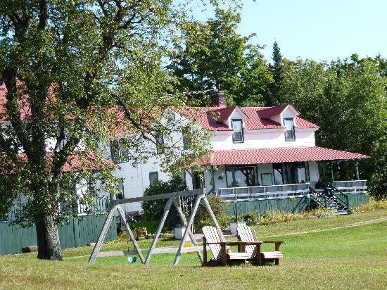 Irondequoit Inn: The Inn's Front Porch