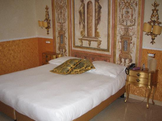 Hotel Romanico Palace: Our room