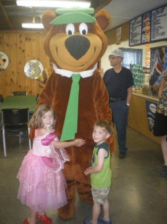 Yogi Bear's Jellystone Park at Natural Bridge ภาพถ่าย