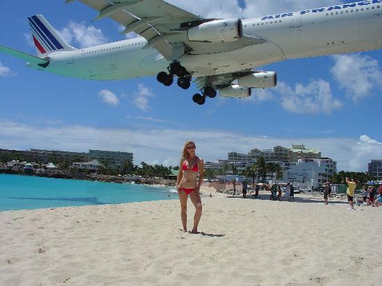 Blue Bay Beach Hotel: AirFrance landing