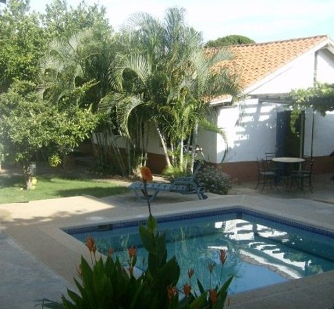 El Cardón, Venezuela: Jardin y Piscina Casa Principal