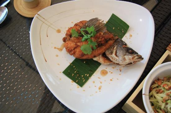 Phulay Bay, A Ritz-Carlton Reserve: Crispy Fish. Yummy!